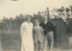 Ellen, Reginald and Frederick Burnett in 1928