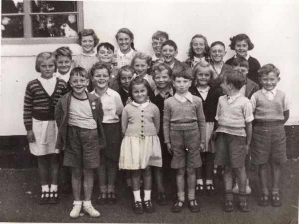 Chitterne School 1953 MP small