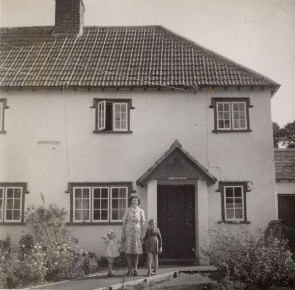 police house 1950 boddington family MP small