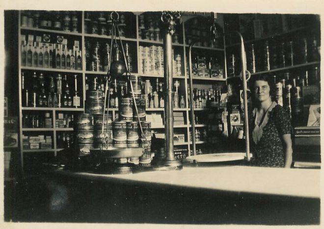 chitterne-shop-1933