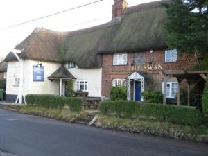 swan inn enford