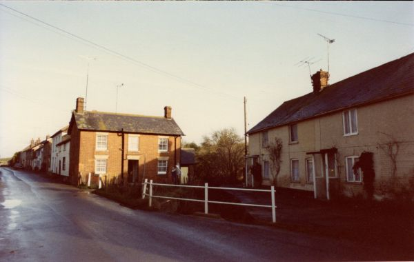 1988 arch cottages